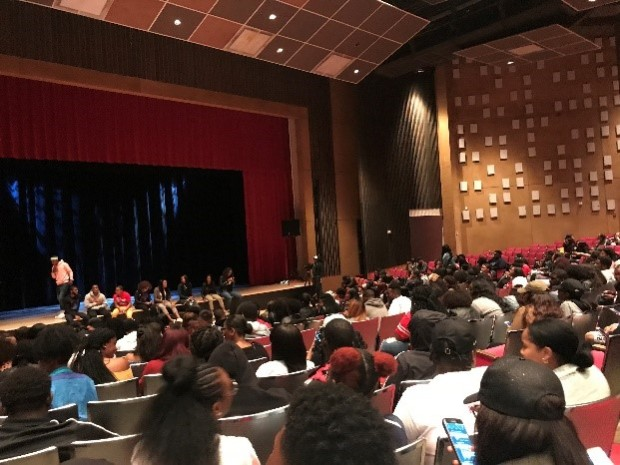 DSU students settle in for the performance